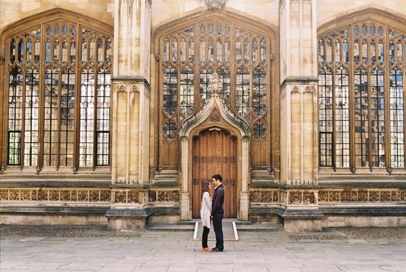 romantic portrait of couple in Oxford