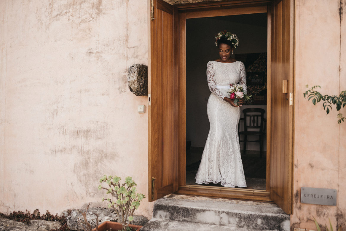 Bride leaving for first look