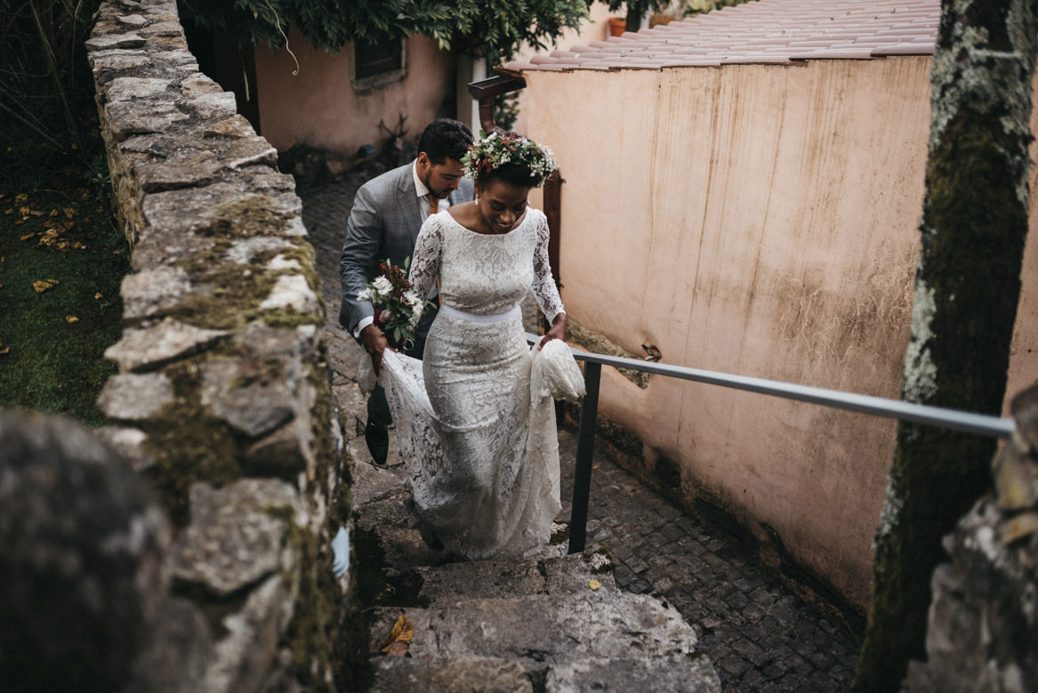 Bride and groom go to portrait session